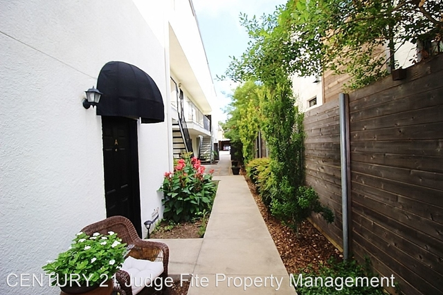 2 Bedrooms, North Oaklawn Rental in Dallas for $1,850 - Photo 1