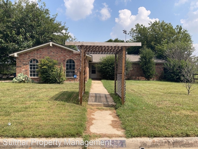 4 Bedrooms, Western Trails Rental in Dallas for $2,100 - Photo 1