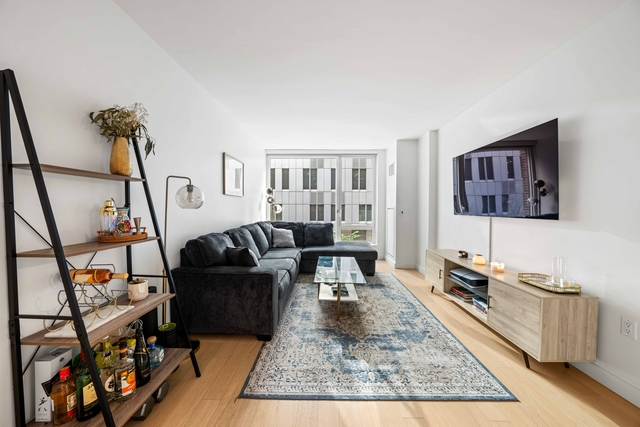 1 Bedroom, Hell's Kitchen Rental in NYC for $4,200 - Photo 1