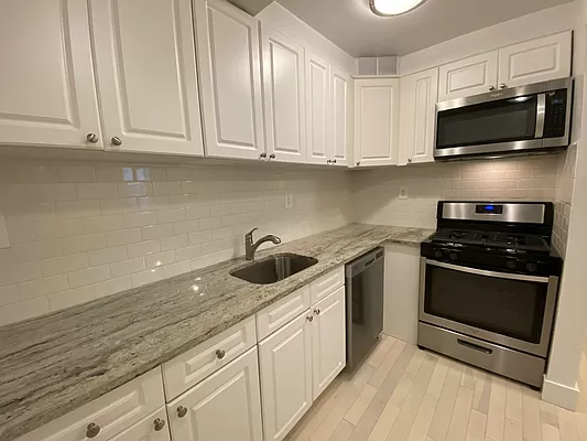 4 Bedrooms, Flatbush Rental in NYC for $2,900 - Photo 1