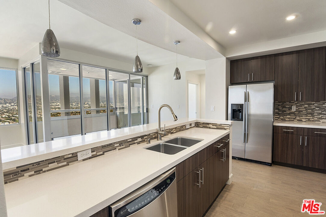 2 Bedrooms, Miracle Mile Rental in Los Angeles, CA for $7,000 - Photo 1