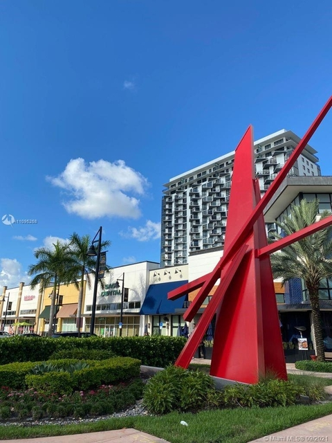 2 Bedrooms, Koger Executive Center Rental in Miami, FL for $3,000 - Photo 1