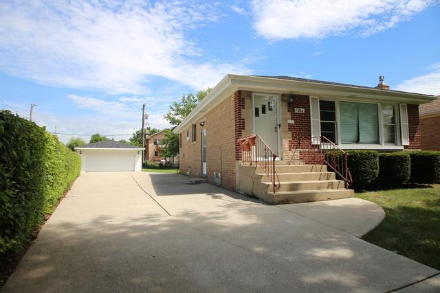 3 Bedrooms, Norridge Rental in Chicago, IL for $2,195 - Photo 1
