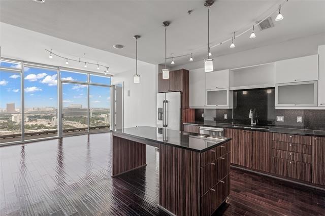 1 Bedroom, Trinity Industrial District Rental in Dallas for $2,963 - Photo 1