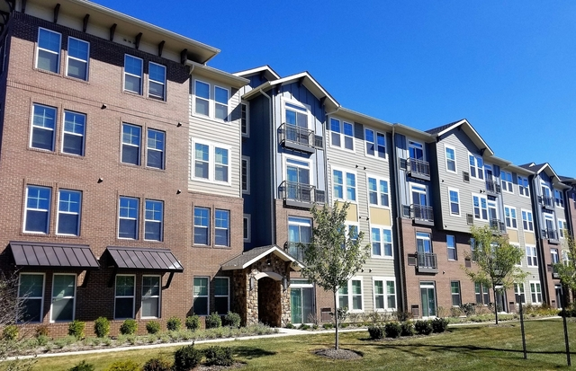 2 Bedrooms, Palatine Rental in Chicago, IL for $2,575 - Photo 1
