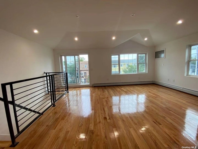 3 Bedrooms, Arverne Rental in NYC for $2,800 - Photo 1