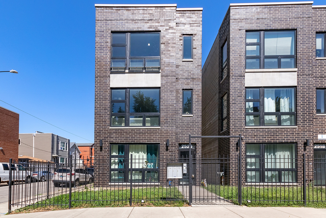 2 Bedrooms, Lawndale Rental in Chicago, IL for $2,200 - Photo 1