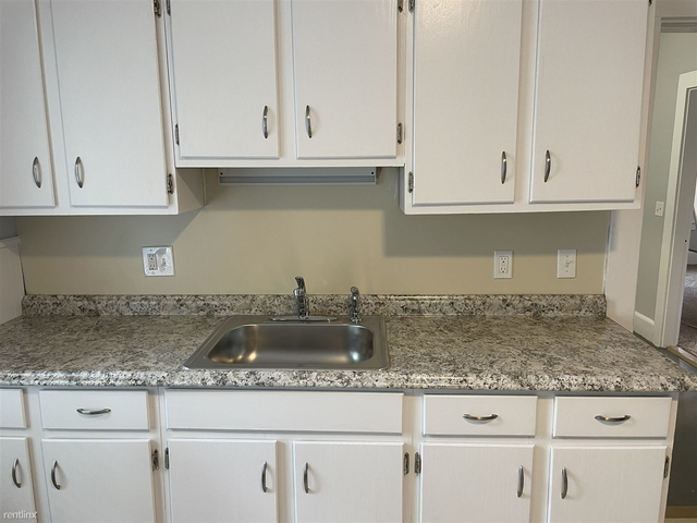 2 Bedrooms, Wakefield Rental in Boston, MA for $2,050 - Photo 1