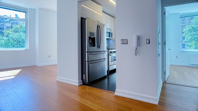 2 Bedrooms, Upper West Side Rental in NYC for $7,730 - Photo 1