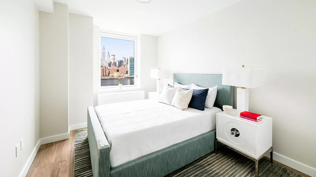 2 Bedrooms, Hunters Point Rental in NYC for $6,125 - Photo 1