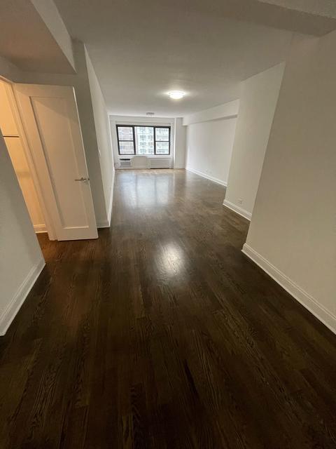 2 Bedrooms, Midtown East Rental in NYC for $7,500 - Photo 1