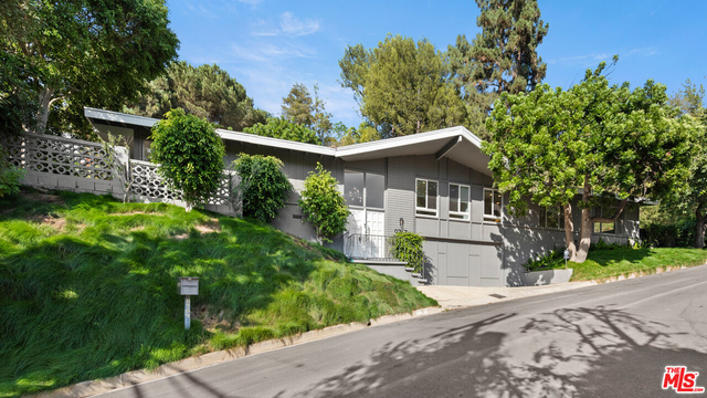 4 Bedrooms, Beverly Crest Rental in Los Angeles, CA for $11,995 - Photo 1