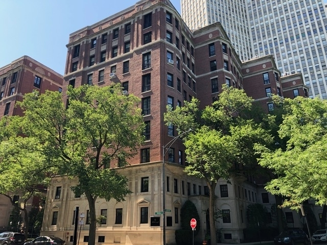 2 Bedrooms, Park West Rental in Chicago, IL for $2,750 - Photo 1
