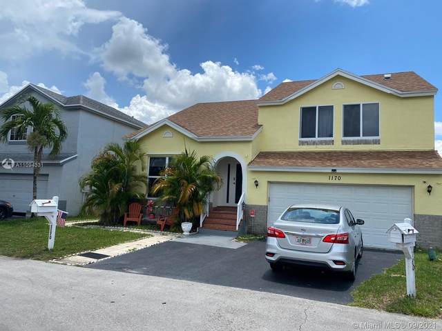4 Bedrooms, Scarborough Rental in Miami, FL for $4,800 - Photo 1