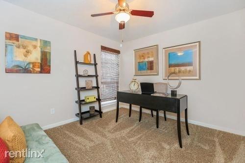 4 Bedrooms, Energy Corridor Rental in Houston for $1,630 - Photo 1