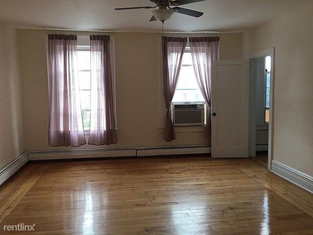 3 Bedrooms, Van Vorst Park Rental in NYC for $2,600 - Photo 1