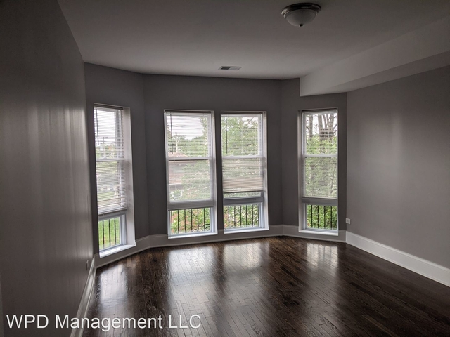 2 Bedrooms, Gresham Rental in Chicago, IL for $1,355 - Photo 1