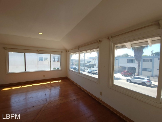 2 Bedrooms, Venice Beach Rental in Los Angeles, CA for $3,495 - Photo 1