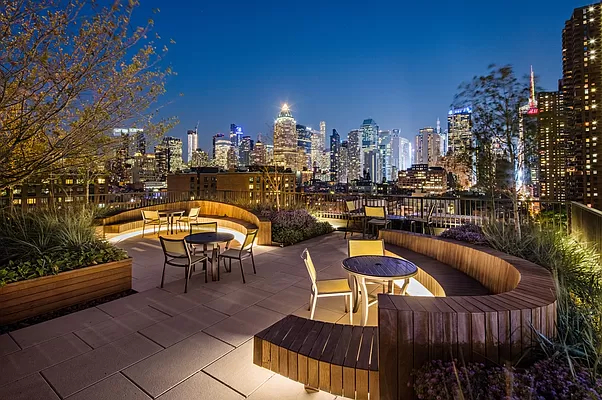 2 Bedrooms, Hell's Kitchen Rental in NYC for $7,079 - Photo 1
