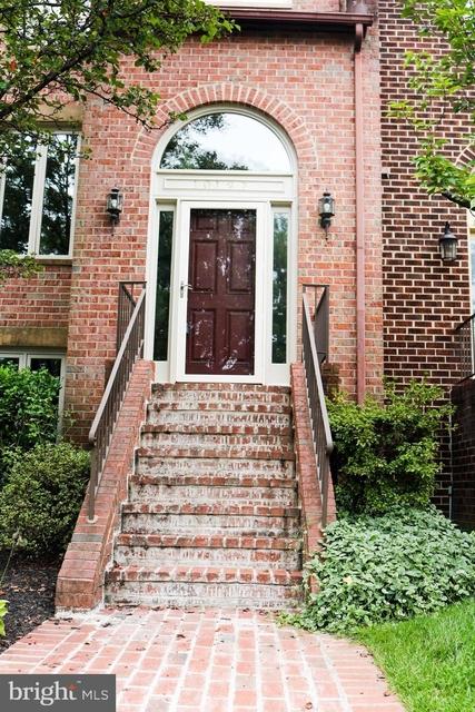 4 Bedrooms, Oakton Rental in Washington, DC for $3,000 - Photo 1