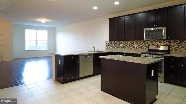 3 Bedrooms, Germantown Rental in Washington, DC for $2,500 - Photo 1