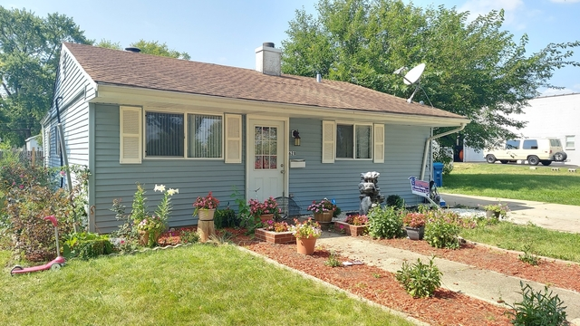 3 Bedrooms, Blackhawk Rental in Chicago, IL for $1,650 - Photo 1