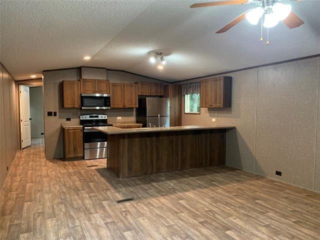 3 Bedrooms, Pelican Bay Rental in Dallas for $1,400 - Photo 1
