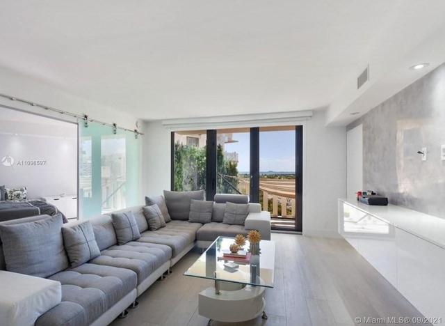 2 Bedrooms, Village of Key Biscayne Rental in Miami, FL for $7,000 - Photo 1