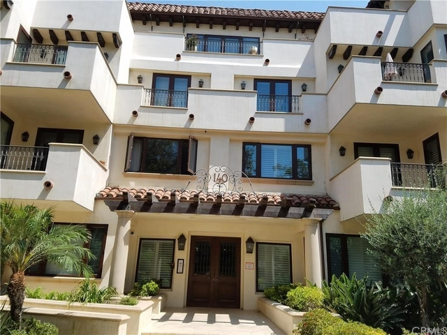 2 Bedrooms, Beverly Hills Rental in Los Angeles, CA for $5,300 - Photo 1