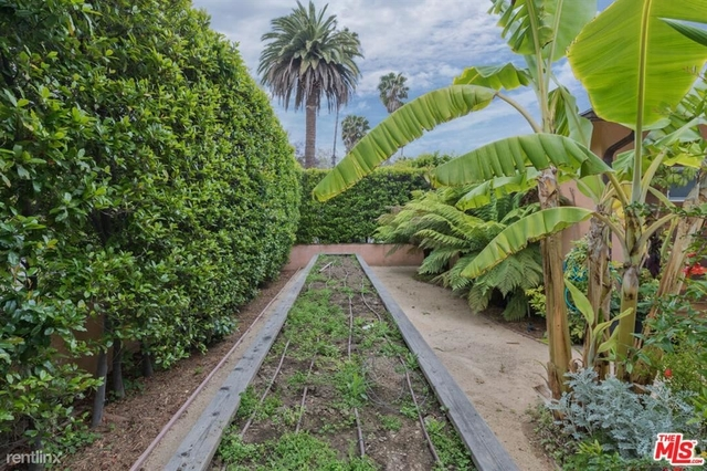 3 Bedrooms, Pacific Palisades Rental in Los Angeles, CA for $8,200 - Photo 1