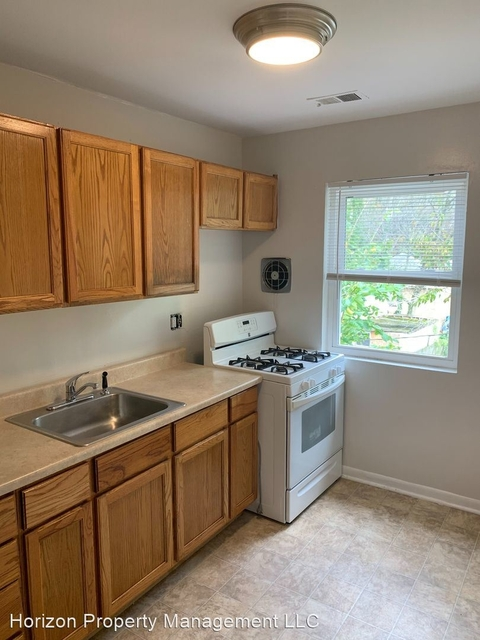 2 Bedrooms, Dorchester Rental in Baltimore, MD for $880 - Photo 1