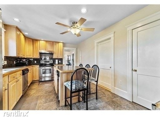 4 Bedrooms, South Quincy Rental in Boston, MA for $3,500 - Photo 1