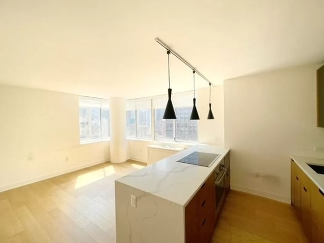 1 Bedroom, Sutton Place Rental in NYC for $4,156 - Photo 1