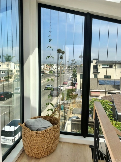 3 Bedrooms, Central Newport Beach Rental in Los Angeles, CA for $10,000 - Photo 1