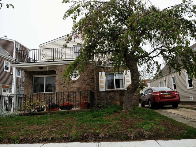 2 Bedrooms, Westholme North Rental in Long Island, NY for $3,200 - Photo 1
