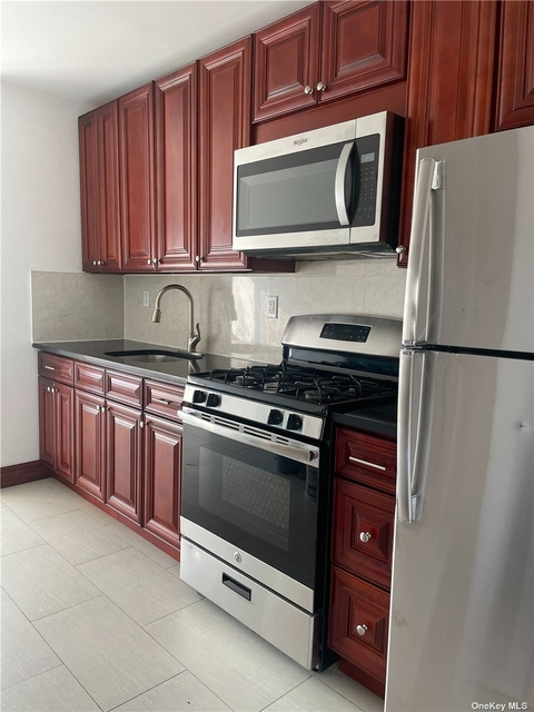 2 Bedrooms, Ozone Park Rental in NYC for $2,150 - Photo 1