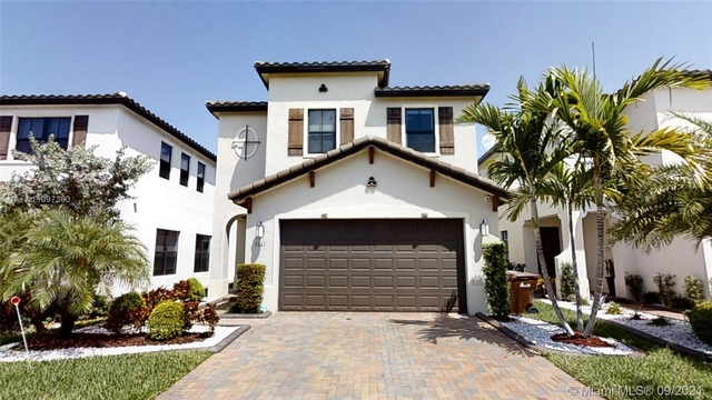 3 Bedrooms, Hialeah Rental in Miami, FL for $4,250 - Photo 1
