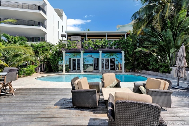 3 Bedrooms, Isle of Normandy Miami View Rental in Miami, FL for $15,000 - Photo 1