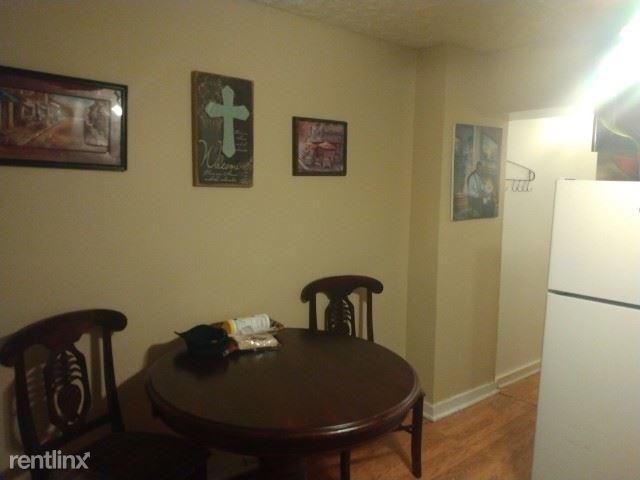 3 Bedrooms, Pratt Monroe Rental in Baltimore, MD for $400 - Photo 1