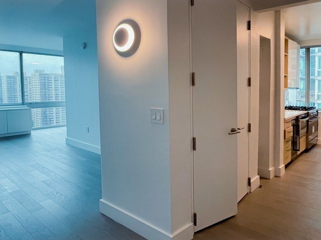 2 Bedrooms, Lincoln Square Rental in NYC for $5,980 - Photo 1