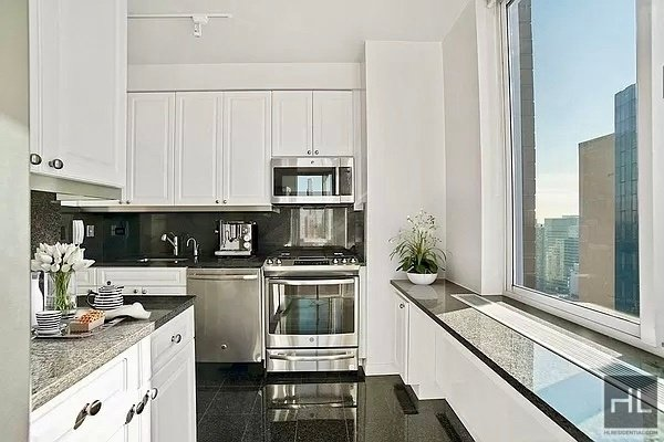2 Bedrooms, Murray Hill Rental in NYC for $7,795 - Photo 1