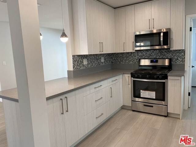 4 Bedrooms, Woodland Hills-Warner Center Rental in Los Angeles, CA for $5,200 - Photo 1