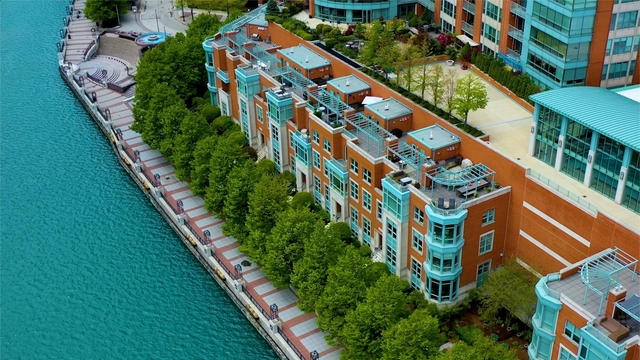 4 Bedrooms, Streeterville Rental in Chicago, IL for $9,000 - Photo 1