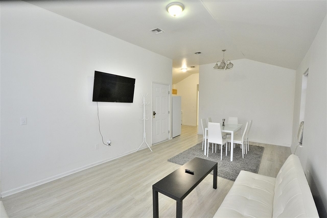 3 Bedrooms, McGinley Square Rental in NYC for $2,000 - Photo 1