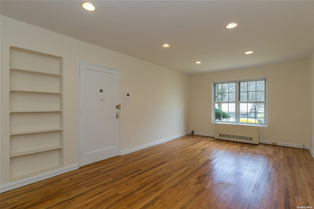 2 Bedrooms, Roslyn Rental in Long Island, NY for $2,495 - Photo 1