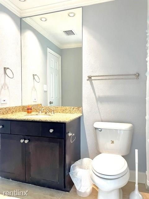 2 Bedrooms, Lake Madeline Rental in Houston for $1,800 - Photo 1