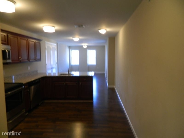 1 Bedroom, Westborough Rental in  for $1,600 - Photo 1