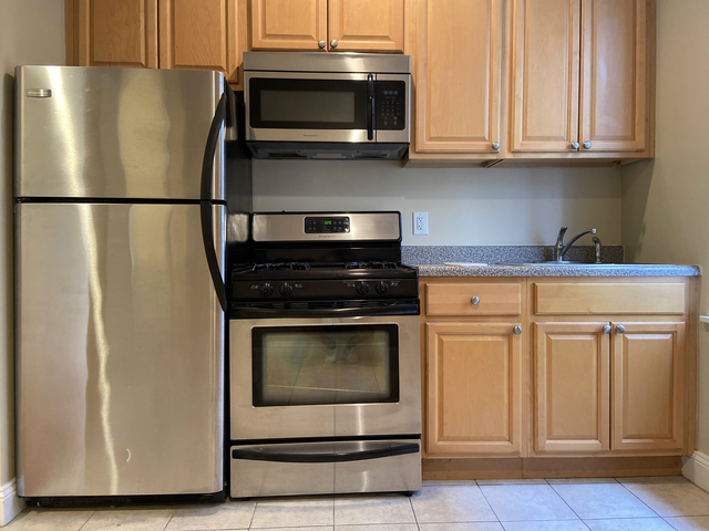 3 Bedrooms, Washington Heights Rental in NYC for $3,200 - Photo 1