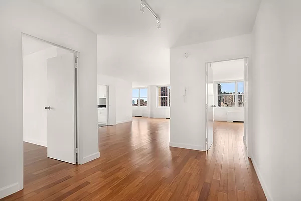 5 Bedrooms, Sutton Place Rental in NYC for $14,500 - Photo 1