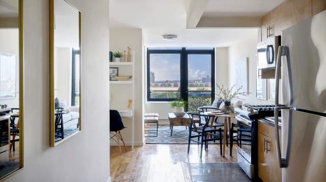 1 Bedroom, Astoria Rental in NYC for $2,562 - Photo 1